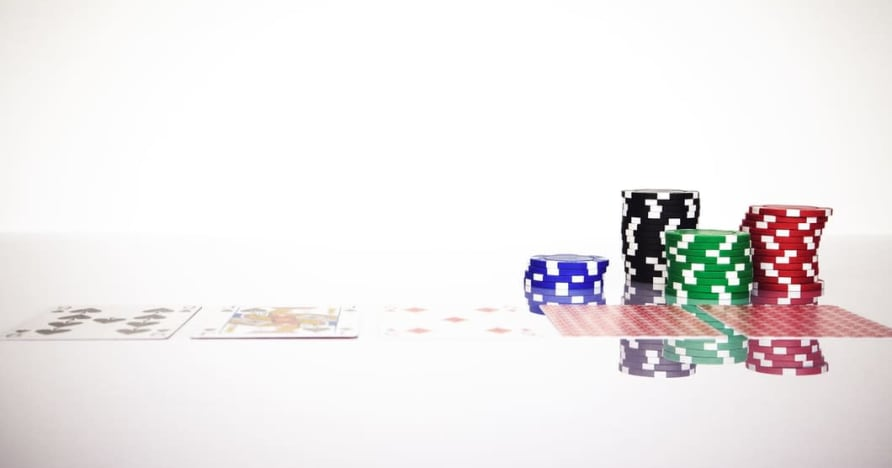 Comprendi la regola del Blackjack Soft 17 nel gioco d'azzardo online