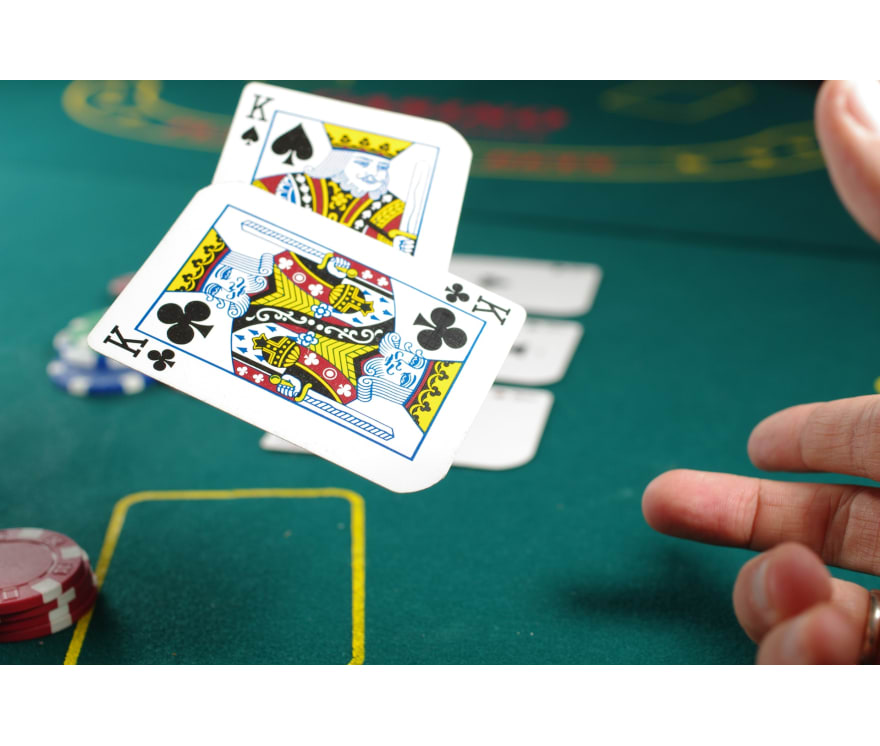 Gioca a Three Card Poker dal vivo