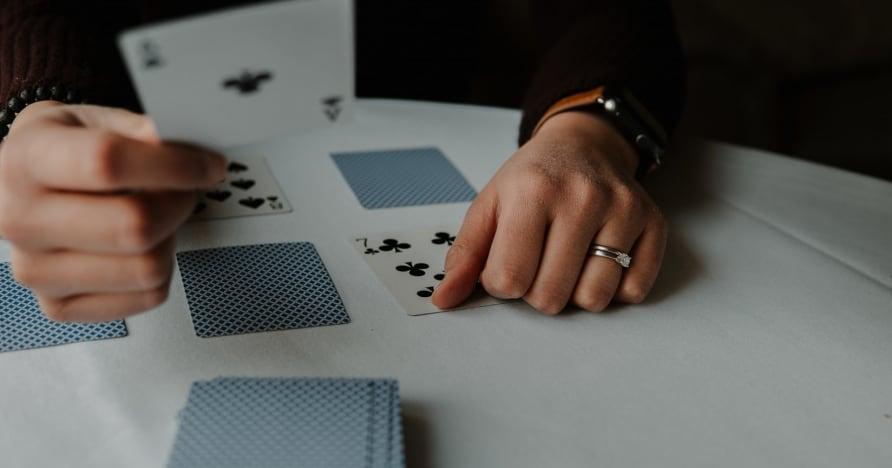 RNG Blackjack vs. Blackjack con croupier dal vivo